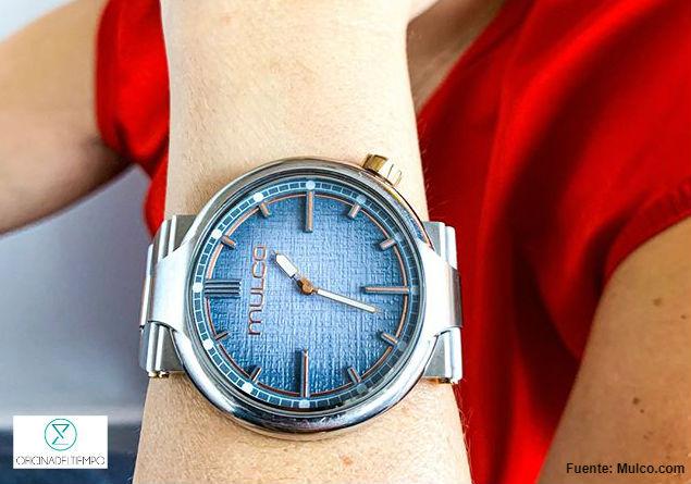 Reloj mulco plateado con azul